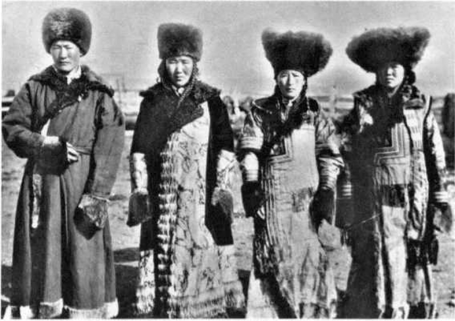 Шуба женская праздничная - М. П. Чебодаева